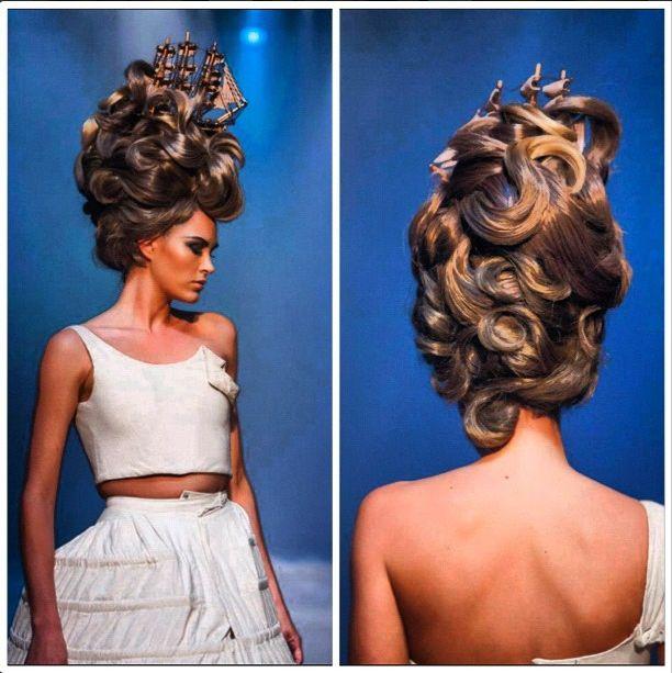 #brunette #DeLorenzo #catwalk #colourshow #upstyle