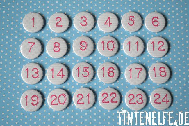 Adventskalenderzahlen - 24 Adventskalenderzahlen-Buttons grau/pink - ein Designerstück von Tintenelfe bei DaWanda
