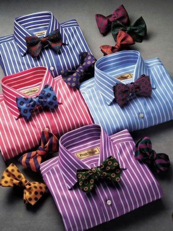 Dizem que quem quer aparecer pendura uma melancia no pescoço, mas nós homens temos coisas muito mais elegantes e interessantes para usar abaixo de nosso pomo-de-adão e as gravatas borboleta certame…