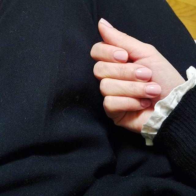 黒×ベビーピンク好きですっ  #セルフネイル#ネイル#黒#服#コーディネート#fashion  #ブライダルヘア#wedding#結婚式#婚礼#結婚#プレ花嫁#髪型#ヘアセット#ヘアスタイル#ヘアアレンジ#ヘアメイク#お嫁さん#アップスタイル#セルフアレンジ#美容#ファッション#アート#写真#かわいい