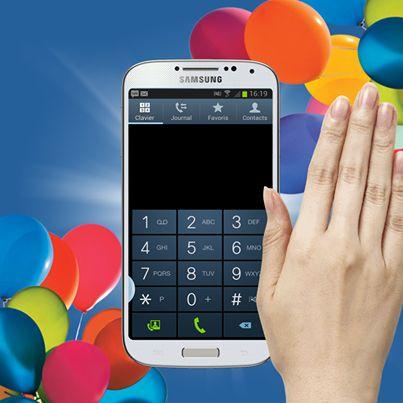 Le #Samsung #GALAXYS4 vous obéit au doigt et à l'œil. Avec Air View, préparez-vous à contrôler votre Smartphone sans même avoir à toucher l'écran… Un simple geste suffit !
