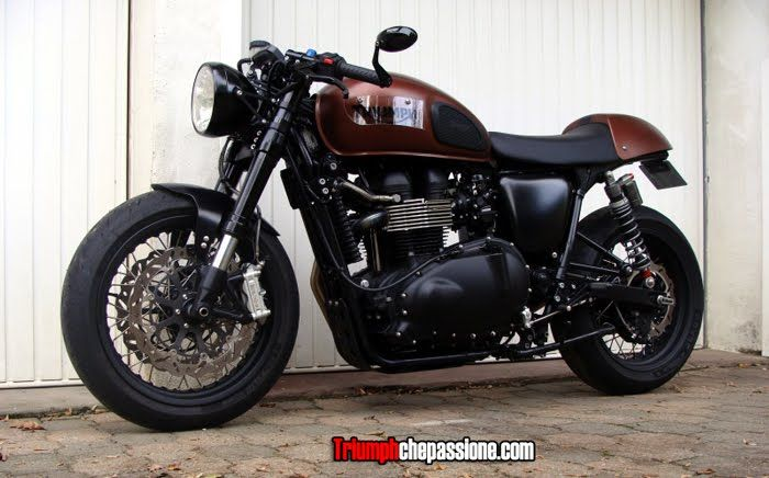 Triumph Thruxton 900. It will be mine. Oh yes, it will be mine.