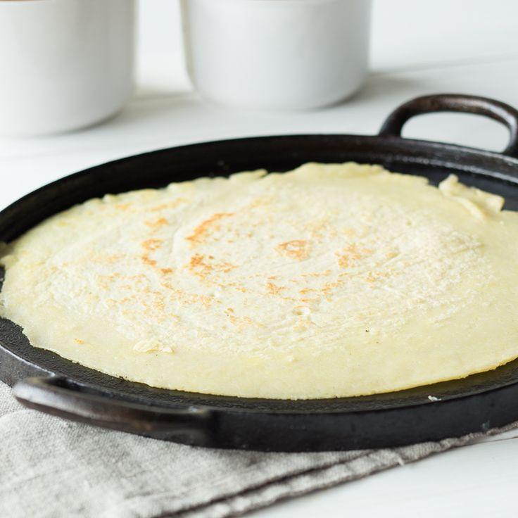 Crêpe ist die schlanke Schwester vom deutschen Pfannkuchen. Ist das Kunststück einmal gelungen, hast du die Qual der Wahl: herzhaft, süß oder pur?