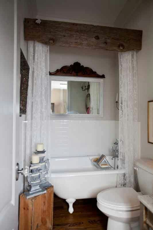 love the framing for the clawfoot tub!
