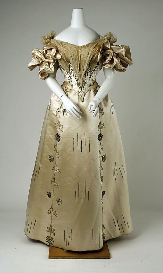 1895 Evening ensemble