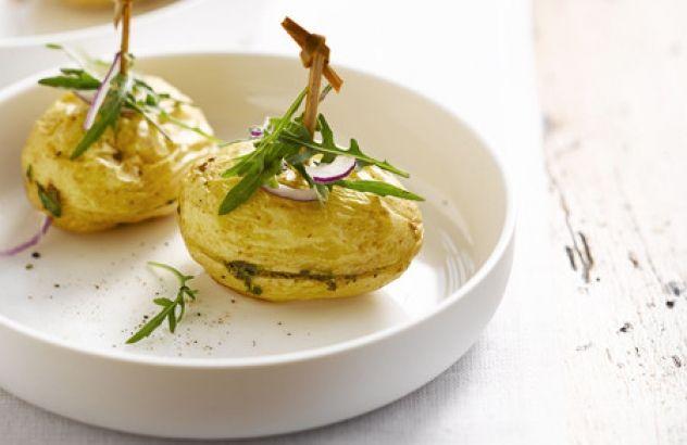 Gevulde aardappelen met boter en verse kruiden - Lekker van bij ons !