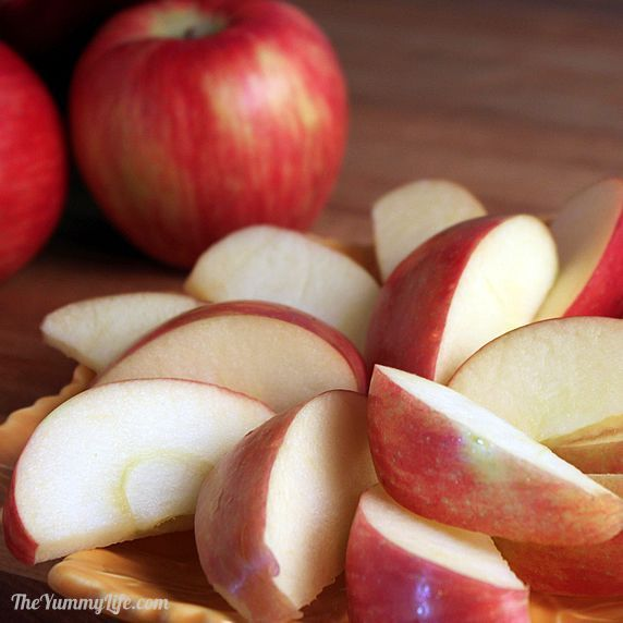 How to Prevent Apple & Pear Slices from Browning! You'll love having fresh apple slices handy for healthy snacking or to use on party platters. This is one of my most popular posts. It really works!  Learn how easy it is here...
