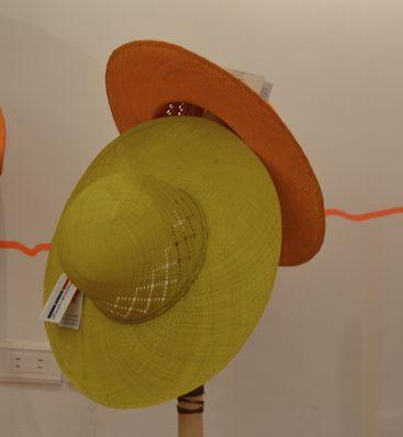 Coloridas pavas de Sandoná ( Nariño) tejidas en palma de Iraca. Cómpralas en #MambeShop por solo $33.000 pesos!