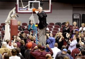 Montana coach Wayne Tinkle and his Grizzlies are bound for Albuquerque, N.M., and the first round of the NCAA basketball tournament. KURT WILSON/Missoulian Read more: http://missoulian.com/college/griz/griz-seeded-th-to-play-wisconsin/article_eea0e160-6bc6-11e1-8394-001871e3ce6c.html#ixzz1oqwMloqTWilson Missoulian Reading, Basketball Tournament, Wayne Tinkle, Ncaa Basketball, Missoulian Photography, Montana Coaches, Coaches Wayne, Kurt Wilson Missoulian