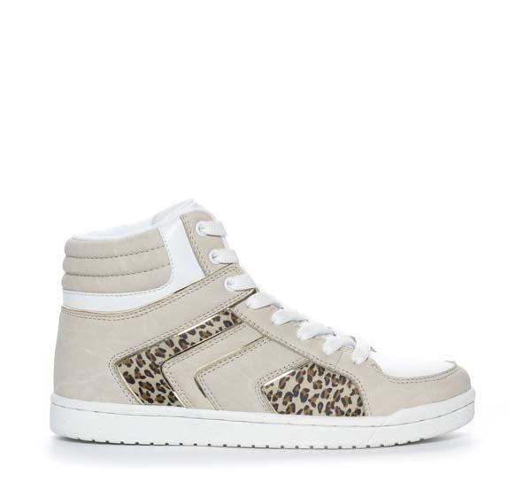 Superkule sneakers i vårens tøffe streetmodell fra DinSko. Om denne nettbutikken: http://nettbutikknytt.no/dinsko-no/