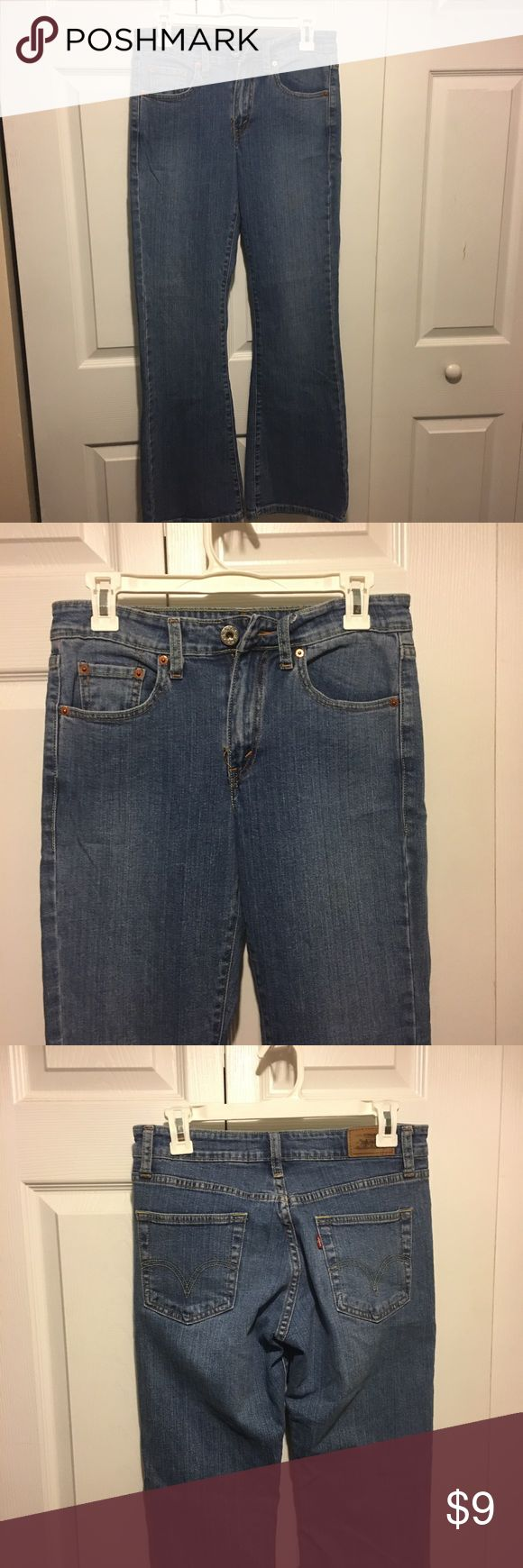 ✅2 for $15 Levi's 519 Jeans Excellent condition. No tears, stains or marks. Combine with any item with a ✅ for a $15 bundle or add three more items for 30% Off Bundles. Levi's Jeans Flare & Wide Leg