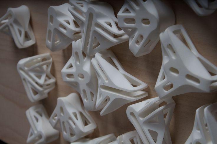 Design Student Uses Unique 3D Printing Process to Construct Furniture http://3dprint.com/83723/print-to-build-connectors/