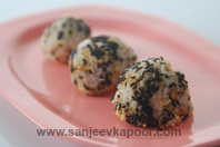 Rice Balls With Sesame