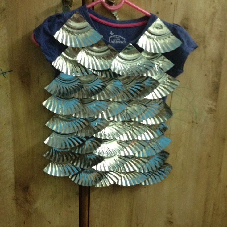 fish costume made using paper plates