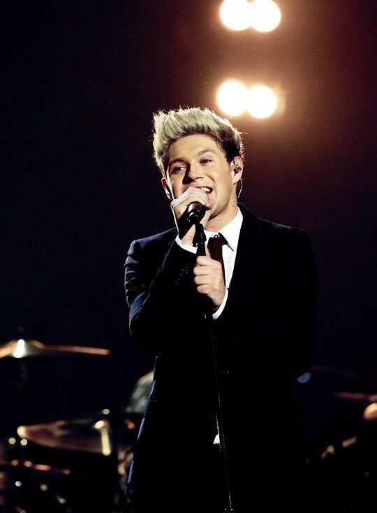 | ONE DIRECTION NIALL HORAN TURNS 23 ! | http://www.boybands.co.uk                                                                                                                                                     Más