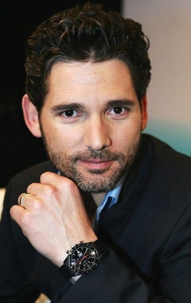 Eric Bana Photos - Australian actor Eric Bana smiles during the launch of BigPond TV, Australia's newest mobile TV channel available on Telstra Next G mobile phones, at The Forum, Fox Studios Entertainment Quarter on July 19, 2007 in Sydney, Australia. BigPond TV will feature top shows, news and sport on consumer's mobile phone devices. - Eric Bana Launches BigPond TV