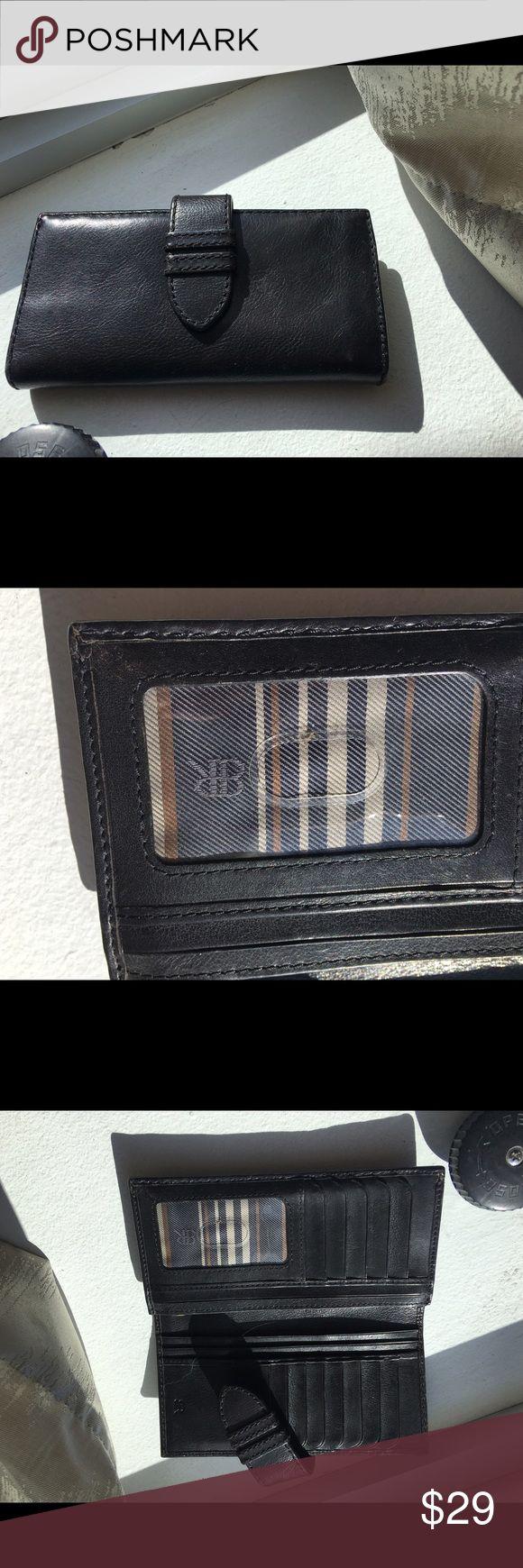 Banana Republic Black Leather Wallet Black leather wallet from Banana Republic Banana Republic Bags Wallets
