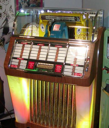 juke boxes that played 45s
