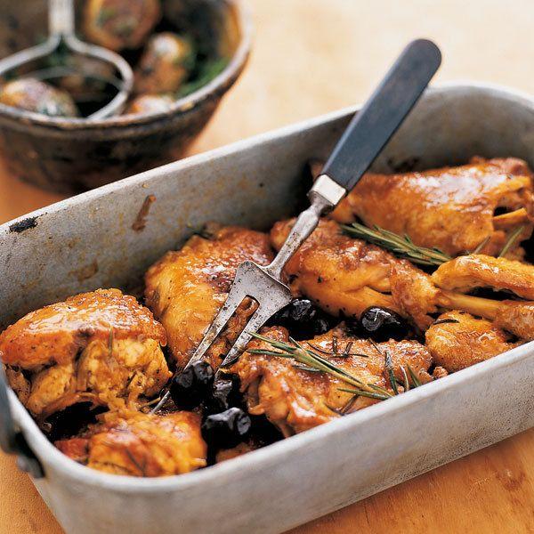 Eine besonders fruchtige Note bekommt das Hähnchen, wenn Sie es mit Orangenfilets servieren.