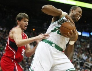 NBA center Jason Collins comes out as gay, is first openly gay athlete in a major sport (Photo: Reuters)