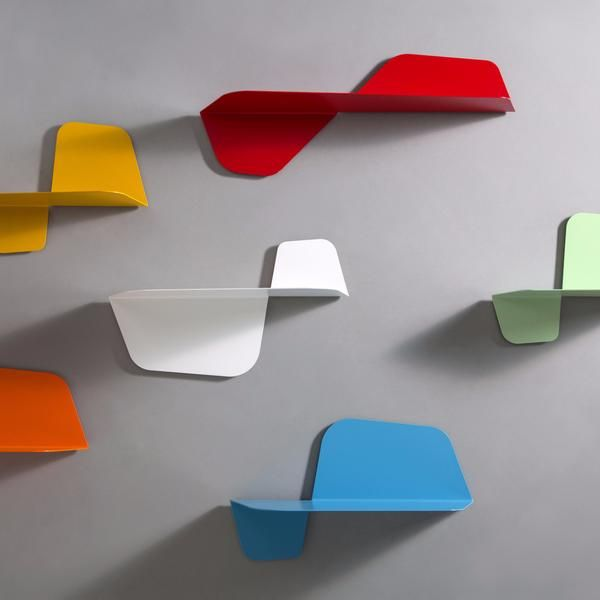 Master of Italian design, Carlo Trevisani dreamed up the modern range of Flap wall shelves for manufacturers MEMEDesign. Available in 15 stylish colours, Flap is
