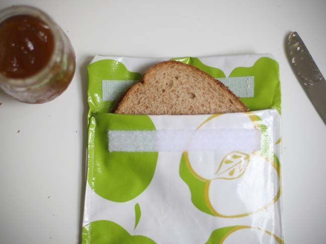 DIY oilcloth reusable sandwich/snack bags. Fabric store...here I come!