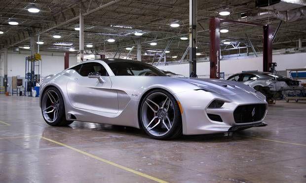 Så kom den endelig – Henrik Fiskers nye superbil Force 1 V10 – som er blevet præsenteret på biludstillingen i Detroit. Premieren var ellers lige ved ikke at blive til noget, da hans tidligere arbejdsgiver, Aston Martin, truede med at lægge sag an, hvis han trak tæppet af bilen, fordi de mente, at den lignede deres D10. Foto: PR  #Forse_ 1 #sports_cars #cars #biler