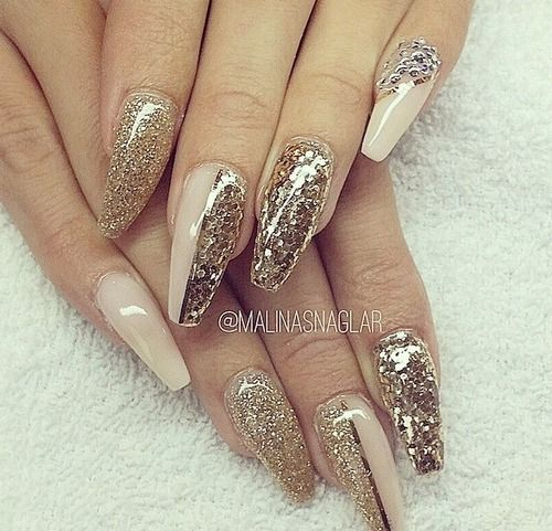 Shades of gold and nude coffin nails nailed it for Matt nageldesign