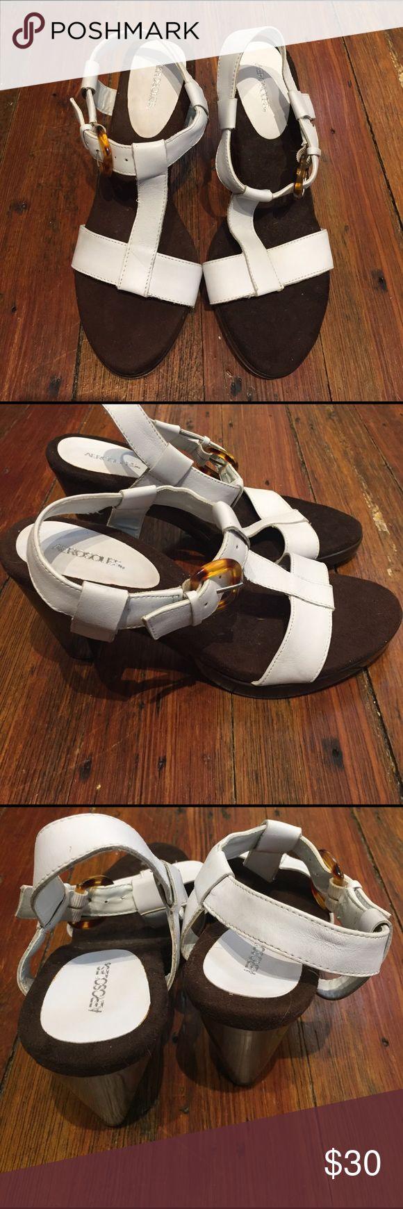 CUTE NEVER WORN WHITE HEELED SANDALS... SIZE 8... Cute Never Worn White Heeled Sandals.. Size 8.. AEROSOLES Shoes