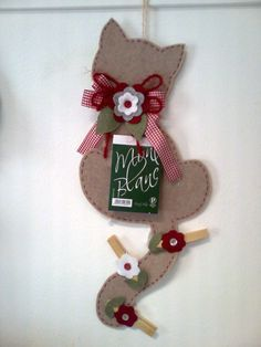 Felt Crafts on Pinterest | Penny Rugs, Felt Cat and Felt