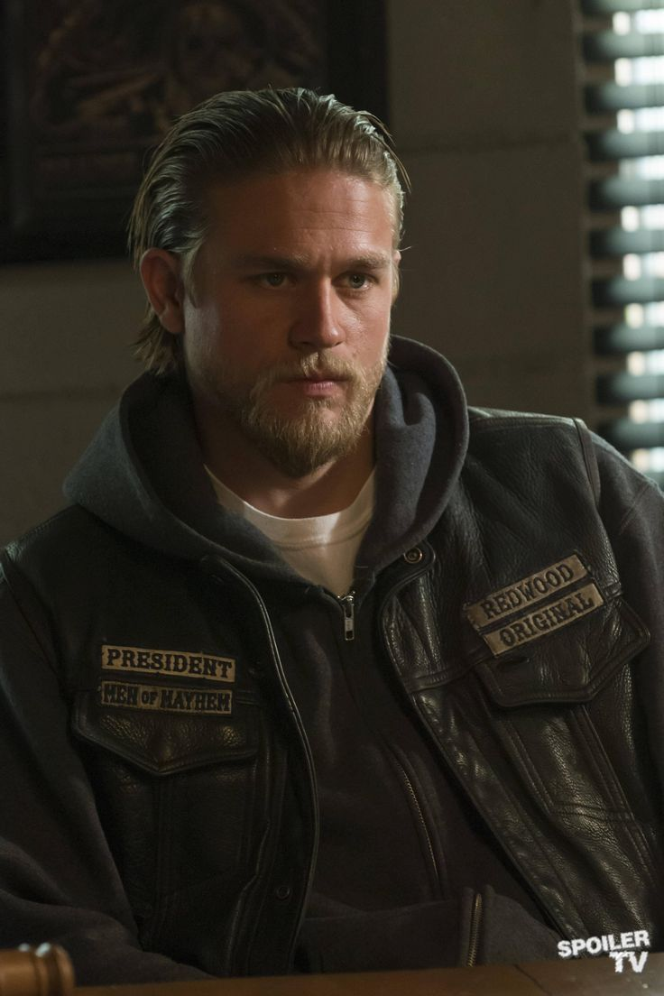 """Charlie Hunnam as """"Jax Teller"""" on Sons of Anarchy. Season 5 was awesome! We love this show."""
