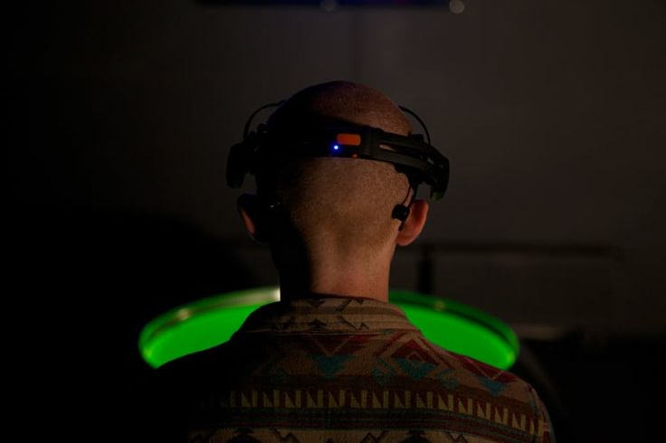 .: Visualisation of thought  The interactive installation Solaris by Moscow-based creators visualized the unique processes of human brain through the diphasic system of magnet and fluorescent liquids. The spectator wears on neuro interface Emotive Epoc, the device computes a brain activity and sends information to the installation machinery.