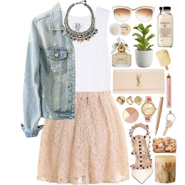 Simple, cute outfit for a summer evening out.