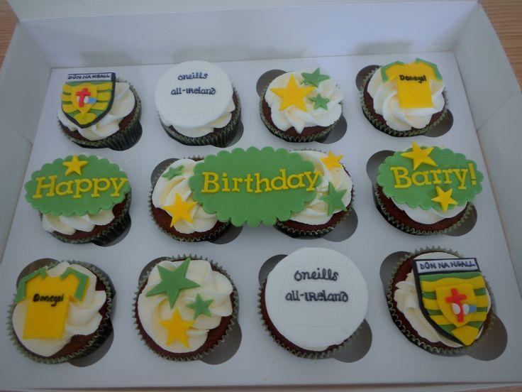 Donegal GAA themed cupcakes by Little Aardvark Cakery (www.littleaardvarkcakery.com)