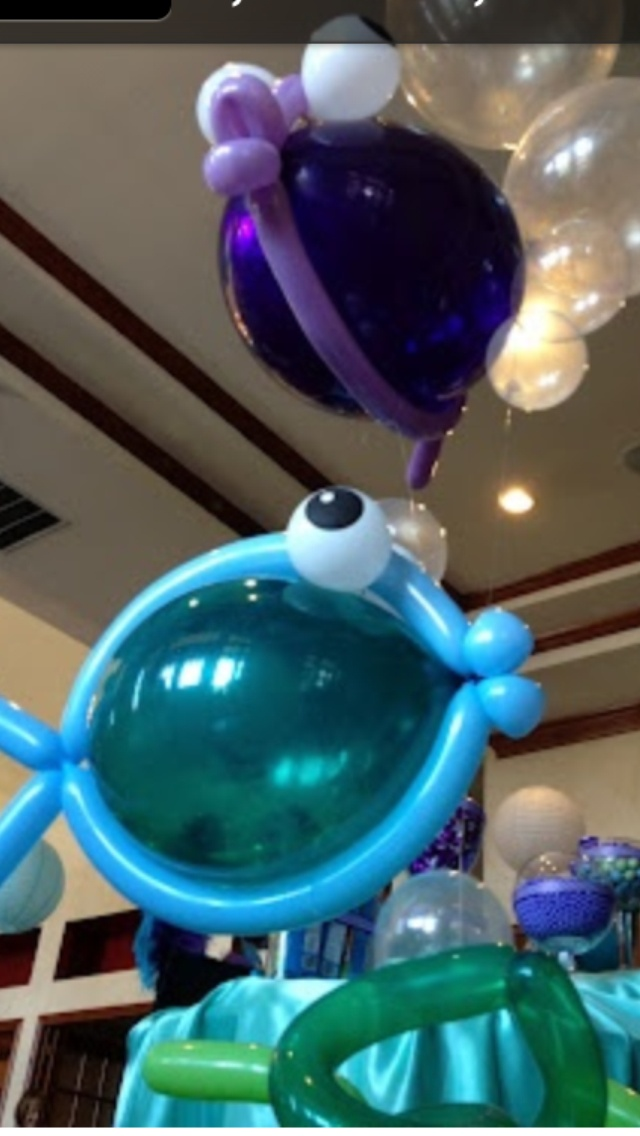 Fish balloon sculpture for finding Nemo party.