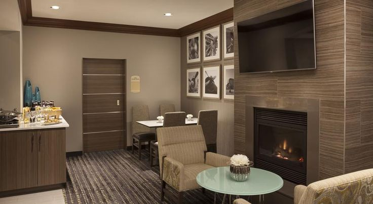 Residence Inn by Marriott Toronto Airport Toronto Situated 10 minutes' drive from Toronto Pearson International Airport, this Toronto hotel features a free airport shuttle service and suites with a fully equipped kitchen. It also boasts an indoor pool and hot tub.