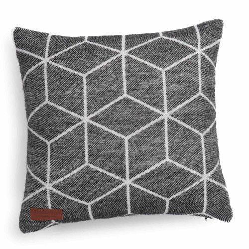 Housse de coussin en tissu noire CUBO | Maisons du Monde