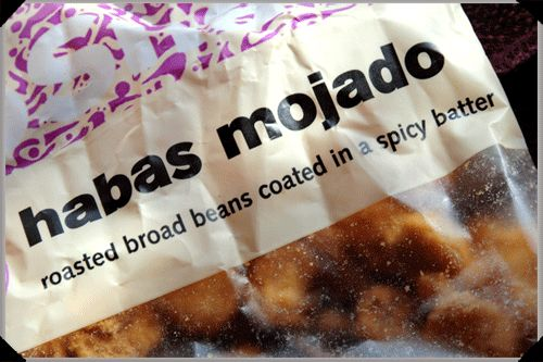 habas mojados: roasted broad beans, lava beans. habas fritas