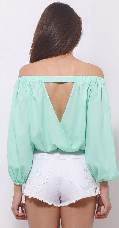 Off shoulder mint blouse Más