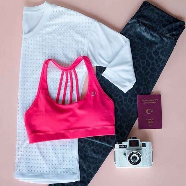 Bu hafta sonu Sevgililer Günü için bir tatil kaçamağı planlıyorsanız, aktif stilinizi yanınıza almayı unutmayın! Tarzınızla fark yaratmak için, dünyaca ünlü aktif giyim markalarını Stilefit.com'da keşfedin. #farkyarat