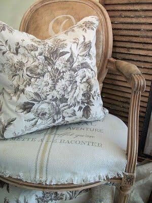 Toile and Grain Sack: Country French, Grainsack, Chairs Fabrics, Shabby Chic, Decoration Idea, Cute Idea, Grains Sack, French Country Chic, French Chic