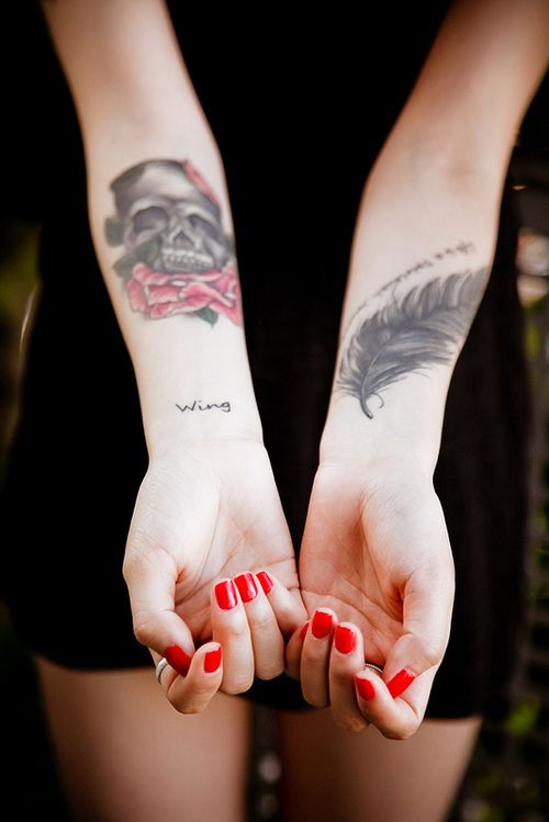 Skull girly and feather.Skull Tattoo Designs for fashion girls. tattoo design girls