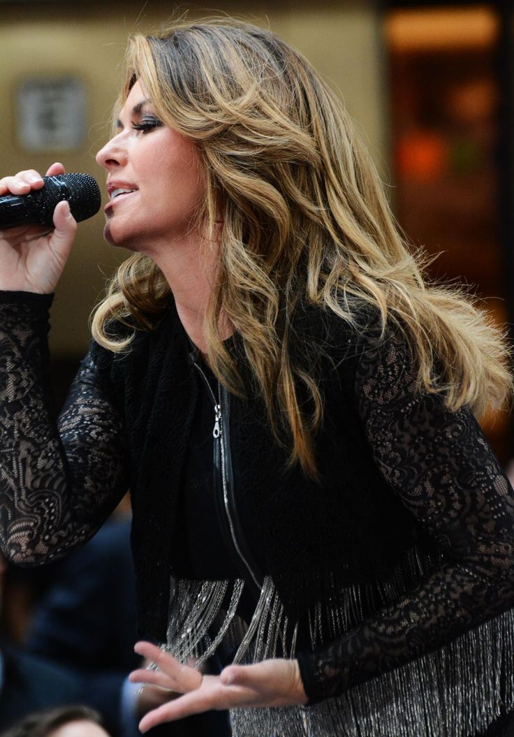picture of shania twain 2017 | SHANIA TWAIN Performs at Today Show Concert Series in New York 06/16/2017 - HawtCelebs - HawtCelebs