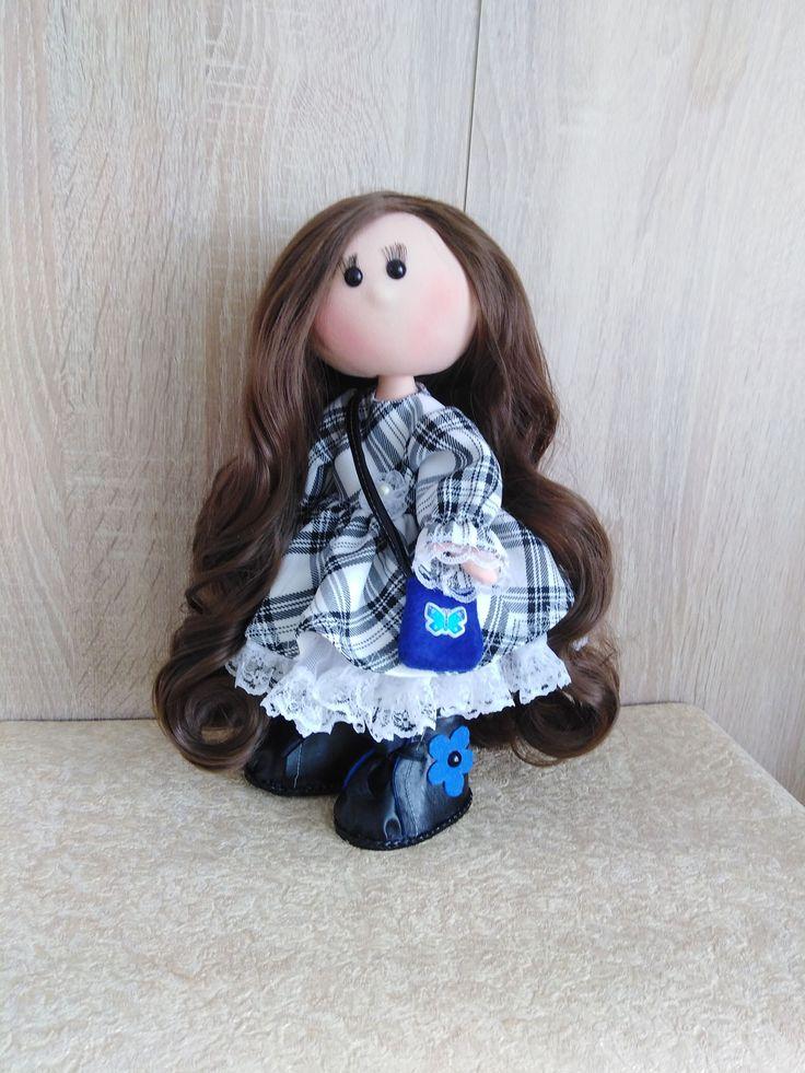 Игровая текстильная кукла. Вся одежда и обувь снимается ...