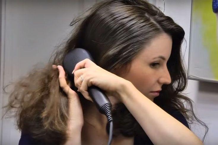 Pour réaliser un brushing express, il existe maintenant une brosse lissante Dafni qui lisse les cheveux sans efforts grâce à sa surface en céramique 3D