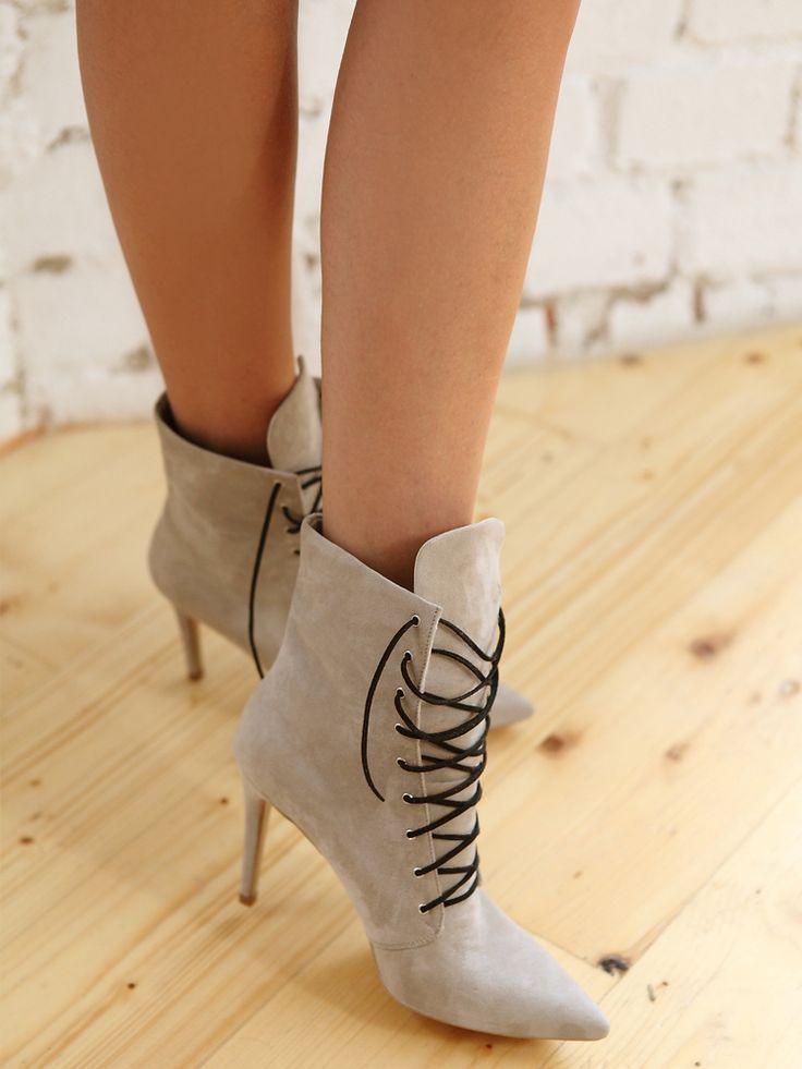 Carola Ankle Boots
