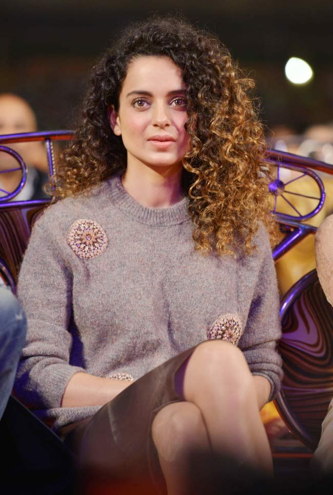 Kangana Ranaut 2015 like the ombre color of her hair. #curlyhair #naturalhair