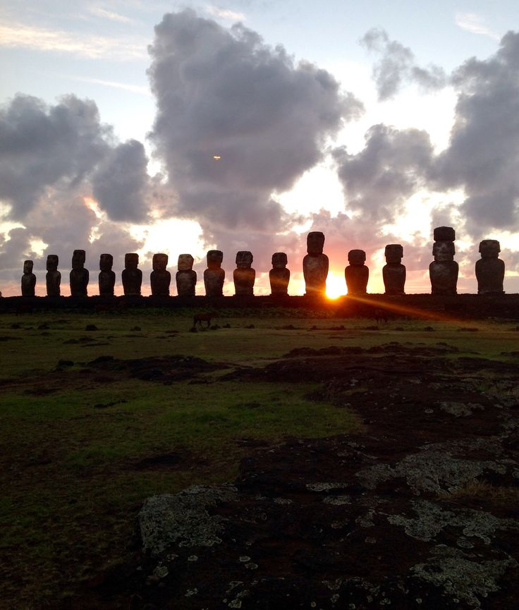 Sunrise in Tongariki, Rapa Nui National Park (Easter Island), Chile