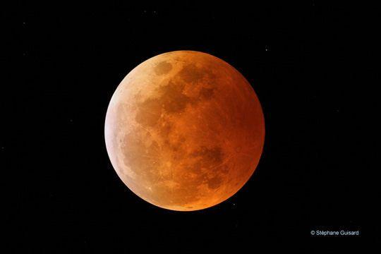 lune rousse 2015   Cette lune de couleur rousse est, en fait, une éclipse totale de la ...