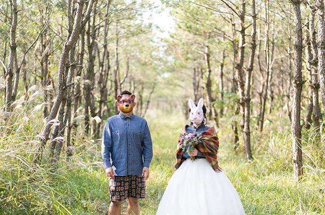 . 森の中でクマさんとウサギさんの結婚式🐻🐰💕 12/12〜15は出張とロケのため、通常営業はお休み致します。 12/11は、12時〜15時半のご予約が可能です。 宜しくお願い致します。 TEL: 099-248-8514  photo:南 修一郎  #les_Meの花嫁 #オーダードレス #wedding #weddingdress #結婚式 #ウエディングドレス #海外ウエディング #ブライダル #結婚式 #オリジナルドレス #ウエディング #鹿児島 #les_me #lesme #プレ花嫁 #結婚式準備 #前撮り #ロケーションフォト #ウエディングフォト #kagoshima #locationPhoto #アクセサリー #ヘッドアクセサリー #ビジュー #Kagoshima #オリジナルウエディング #ヘアメイク #hairmake #編み込み #ヘアスタイル #bouquet